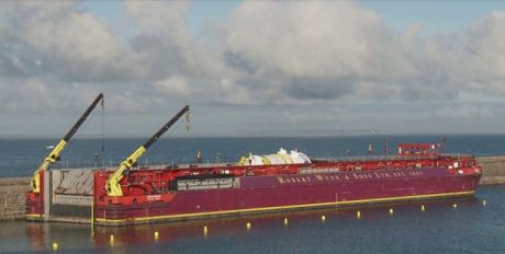 Flamanville EPR vessel arrives - 460 (Areva)