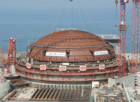Flamanville dome installation (EDF)