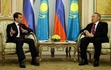 Presidents Medvedev and Nazarbayev (Image: Presidency of Russia)