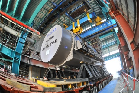 Taishan 1 generator lift, October 2013 (CGNPC) 460x307