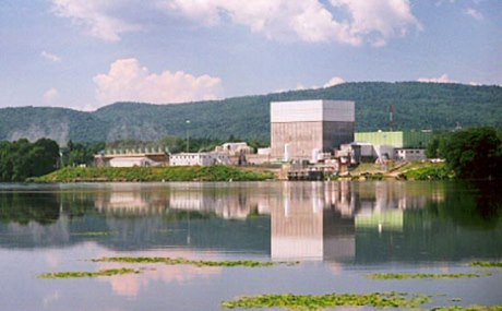 Vermont_Yankee_view-(Entergy)-460
