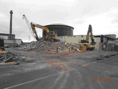 Winfrith_B72_demolition_Feb_2014_(RSRL)_380x285